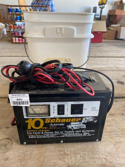 Battery charger/bucket