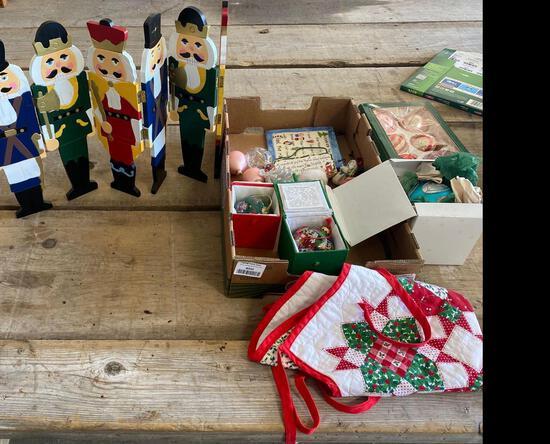 Christmas ornaments/Decor