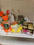Large qty of bird feeder products. New.