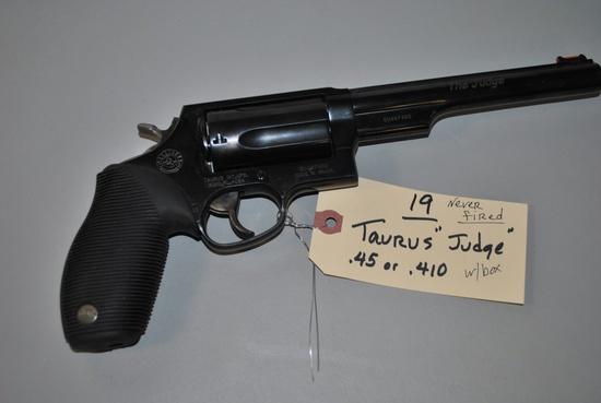 TAURUS JUDGE LONG BARREL .45-.410CAL PISTOL W/ BOX