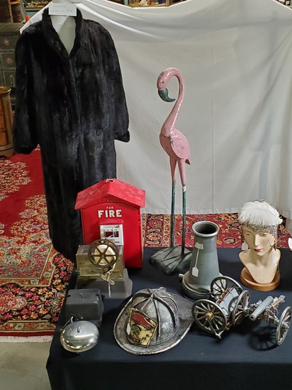 Granny's Antique & Vintage October Auction