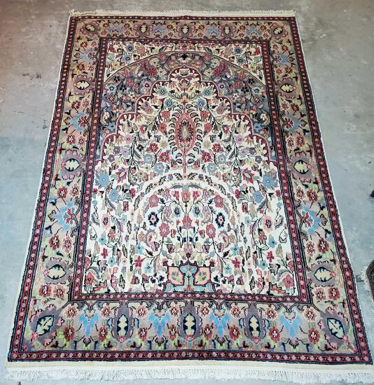 """5'10""""x8'9"""" Persian Silk and Wool Blend Hand Woven Rug"""