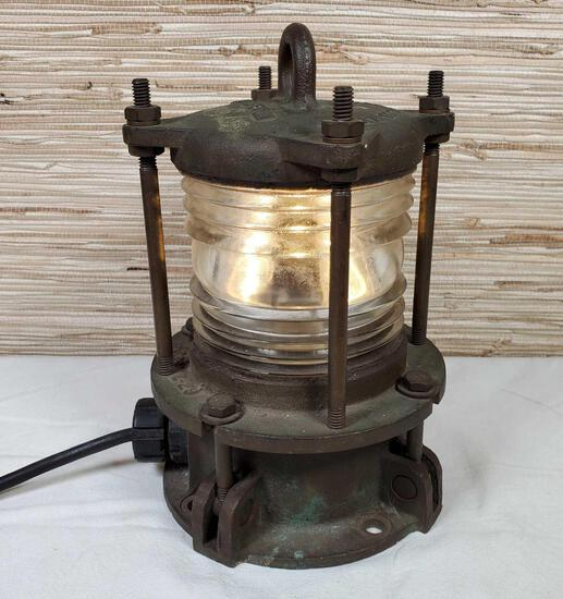 Modern Metal Mfg. Co., NY, NY Maritime Ship Light