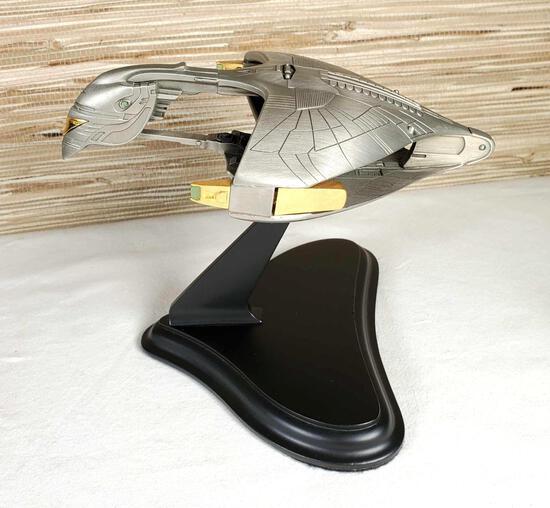 Franklin Mint Star Trek Next Generation Romulan War Bird Ship