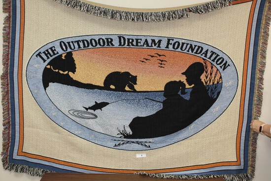 Outdoor Dream Foundation Throw