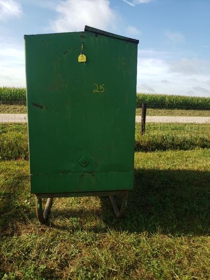Large Green Feeder