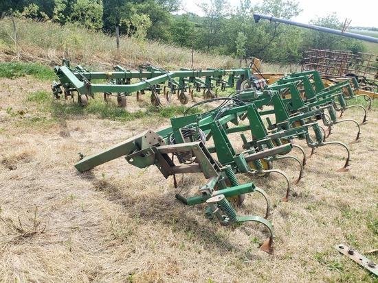 "JD 725 12-30"" Frt Mtd Cultivator"