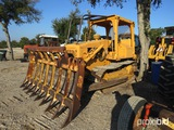 CAT D4E DOZER W/ BRUSH STACKER (SHOWING APPX 1,365 HOURS) SERIAL # 78P41552