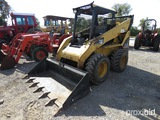 CAT 252B SKID STEER (SHOWING APPX 1038.9 HOURS) (SERIAL # CAT0252BVSCP03402)