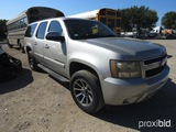 2007 CHEVROLET SUBURBAN 4 X 4 (SHOWING APPX 275,137 MILES) (VIN # 1GNFK16307R265980) (TITLE ON HAND