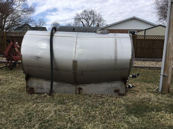 1600 Gallon Stainless Steel Tank