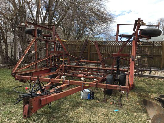 IH 45 Vibra Shank Field Cultivator