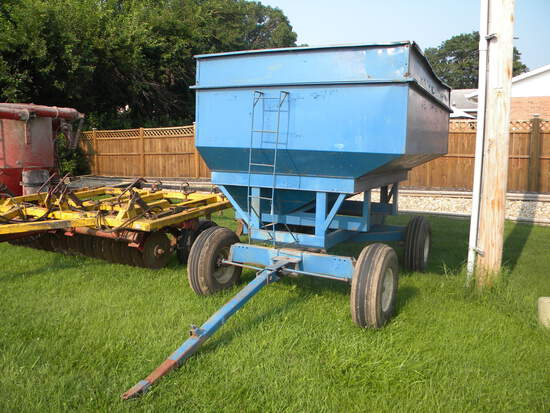 Gravity Flow Wagon