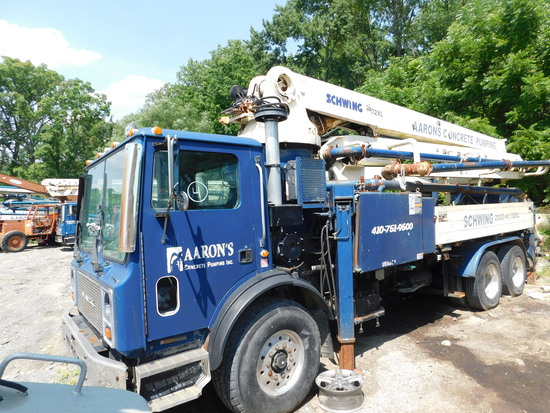 1998 Mack MR688S w/ Sachwing 2023-4/ KVM 32XL Concrete Pump Truck