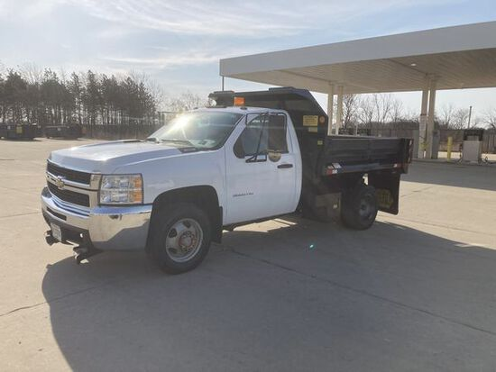 *2010 Chevrolet K3500 Pick Up Truck