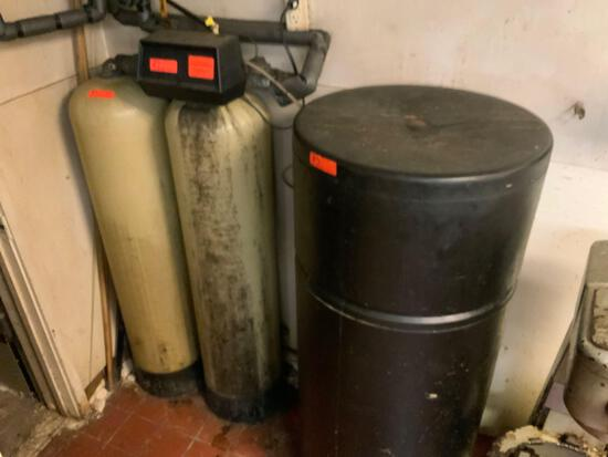 Two water compression tank and softener