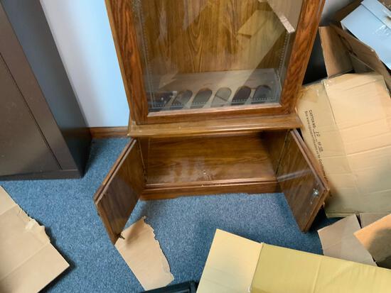 6 gun wood cabinet