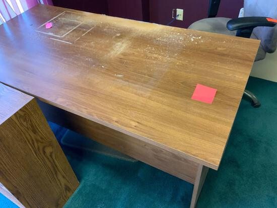 Office Desk - damage desk top Pickup will be on Monday 3/29 from 1-6 pm at 1324 S. 119th Street. All