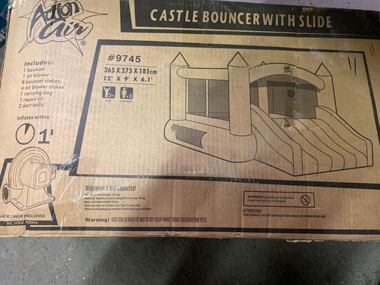 Bounce Castle w/slide