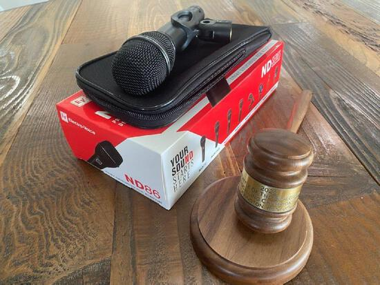 Electro Voice ND 86 Microphone and a engraved 2020 Battle Of The Bluegrass Bidcalling Championship