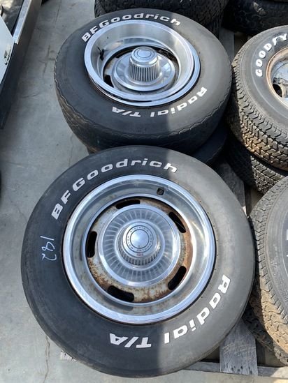 Set of 4 Rally Wheels w Beauty Bands/2 Center Caps