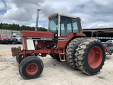International 1586 Tractor