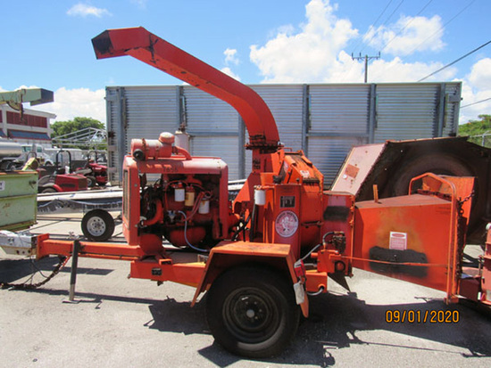 1991 Eager Beaver Model MDL290 Trailer-Mounted Tree Chipper