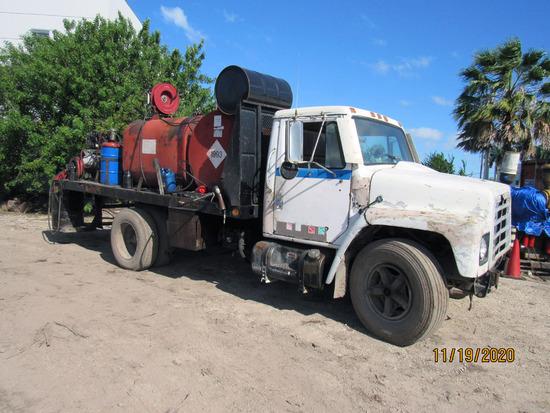 1986 International Service Truck