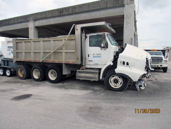 2009 Ford LT9500 Cab & Chassis