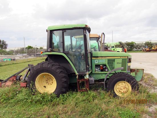 1995 John Deere Farm Tractor