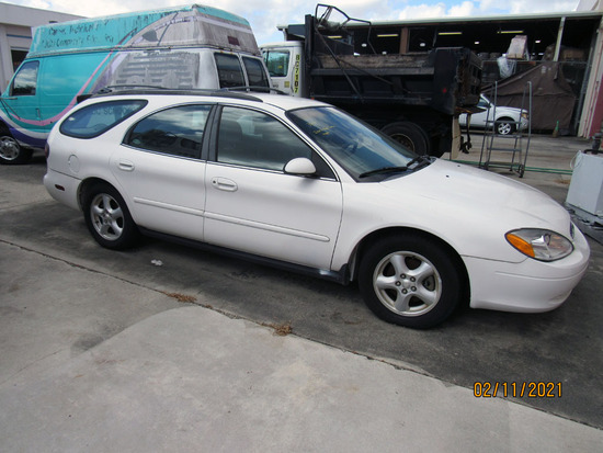 2002 Ford Taurus SE Station Wagon