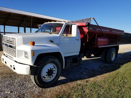 1985 FORD SPREADER TRUCK, MILES SHOWING: 125,224, 5 SPD MANUAL