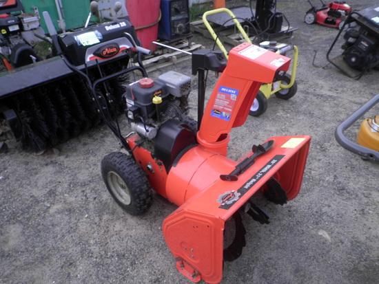 ARIENS Deluxe 28 Gas Snowblower