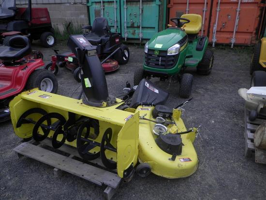 JOHN DEERE D105 Auto Lawn Tractor w/42'' Mower & 44'' Snowblower