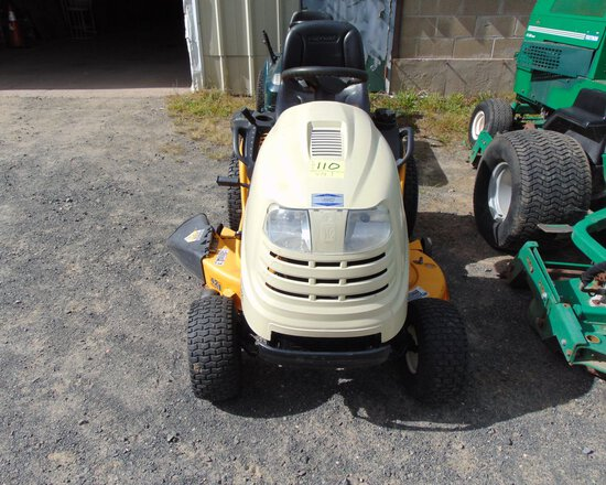 CUB CADET LT1042 42'' Lawn Mower