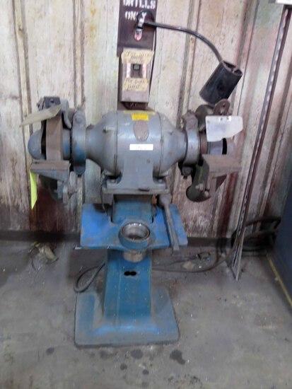 DOUBLE END GRINDER, CINCINNATI, 2 HP motor, S/N 164538 (on stand)