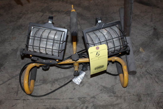 PORTABLE HALOGEN LIGHT SET, (2) fixtures   (Located at: Accurate, Inc., 120