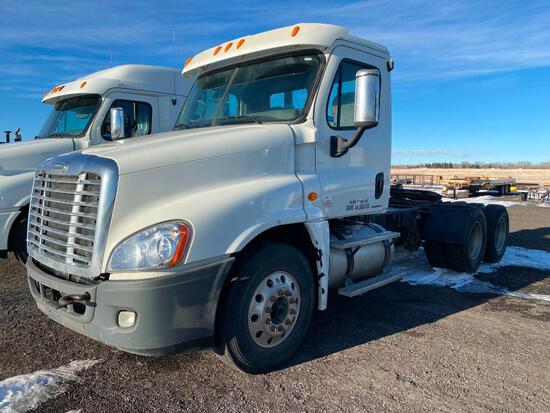 2009 Freightliner DD15 Day Cab T/A Truck Tractor