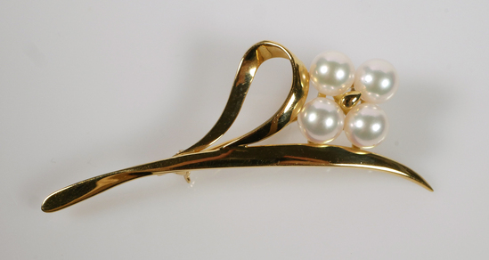 MIKIMOTO Pearl 18k Gold Vintage Brooch