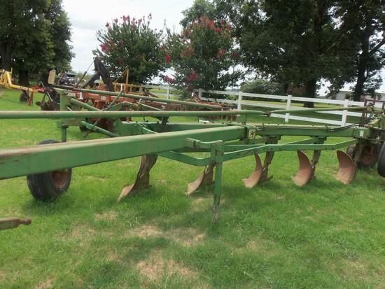 John Deere 2350-2450 5 bottom Plow