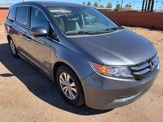 2016 Honda Odyssey SE with entertainment