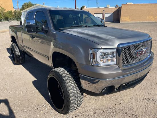 Lifted 2008 GMC Sierra ext cab