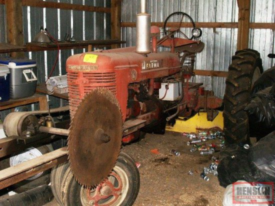 FARMALL H, NF TRACTOR, FRONT MOUNTED BUZZ SAW   Farm