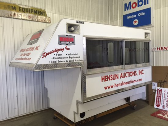 2008 8' LAMPI AUCTION TOPPER/SOUND BOOTH, SLIDING
