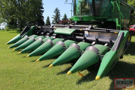 "2012 GERINGHOFF 8R30"" CHOPPING CORN HEAD,"