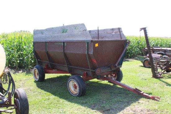 DOKKEN REAR UNLOAD SILAGE BOX, IH 330 GEAR | Farm Machinery