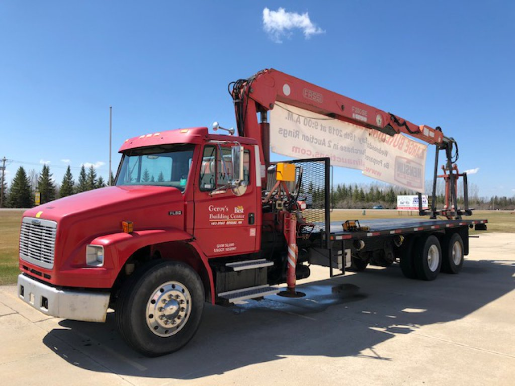 *** 2002 Freightliner FL80 truck, flatbed, diesel, tandem axle, 289,856 miles showing, Eaton