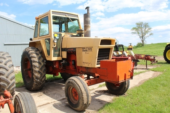 CASE 1070 TRACTOR, 4 / 3 POWERSHIFT, DUAL HYDS,