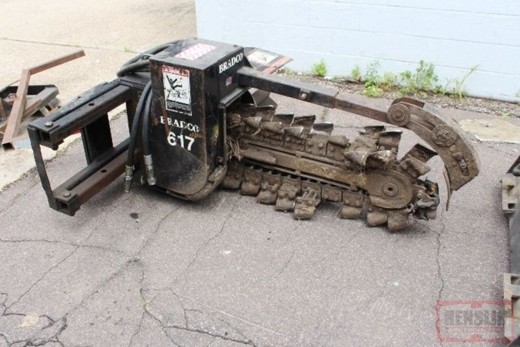 BRADCO 617 QT MOUNT HYD DRIVE 3' TRENCHER