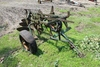 JOHN DEERE 3-14 TRAILING PLOW, HYD LIFT, NO